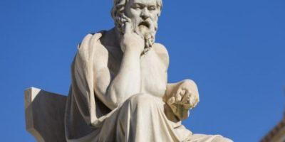 Сократ – Наслаждавайте се на себе си, защото е по-късно, отколкото си мислите