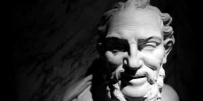 Демокрит – Не думите, а нещастието е учител на глупаците