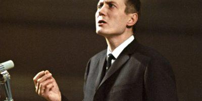 Евгений Евтушенко – Не мога да понасям половини! Небето дай! Земята цяла дай!