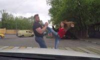 Защо е добре да владеете бойни изкуства. Какво се случва в сблъсъка между мускулест мъж и крехко момиче