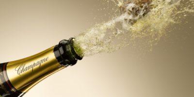 4 август – рождения ден на шампанското. Легендата гласи, чена този ден през 1693 година е открито от монаха Пиер Периньон