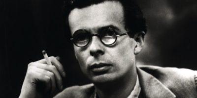 Човек не може да консумира много, ако си седи мирно и си чете книжки – Олдъс Хъксли