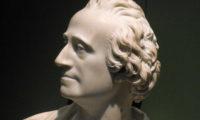 В действителност Бог е на страната на най-големите банкови сметки – Адам Смит