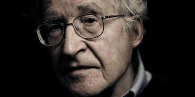 Ноам Чомски – 10 начина за манипулация чрез медиите