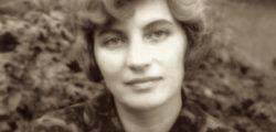 Блага Димитрова – Кожата ми ме боли от целувки като изгаряне от слънце