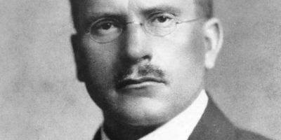 Развитие на личността и теория за психологичните типове според Карл Юнг