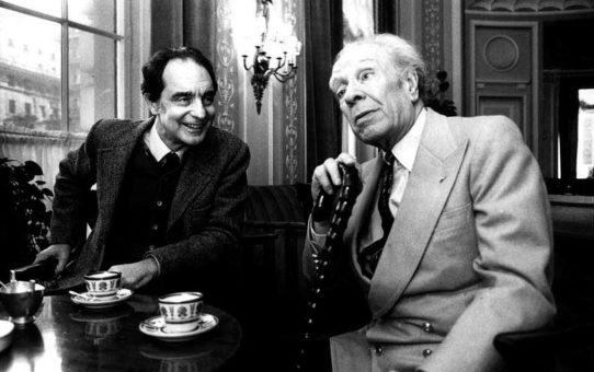 Хорхе Луис Борхес – С времето човек разбира тънката разлика да държи ръка и да окове душа