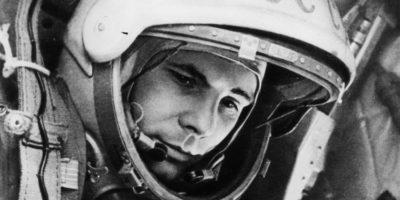 """12 април 1961 година – Юрий Гагарин с космическия кораб """"Восток 1"""", извършва пълна обиколка около Земята"""