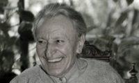 Човекът повече хитрува отколкото да усъвършенства ума си – Йордан Радичков