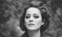 Марион Котияр на 43 години. Една актриса, която събира цялото великолепие на Франция в себе си