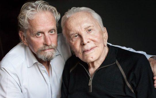 Легендарният актьор Кърк Дъглас на 103 години