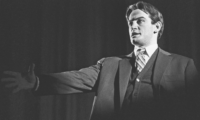 Владимир Маяковски – Изкуството не е огледало, което да отразява света, а чук, който да му даде форма