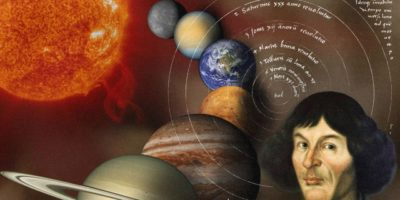 Николай Коперник, който откри, че Земята се върти около Слънцето, а не както някои хора си мислят, около тях