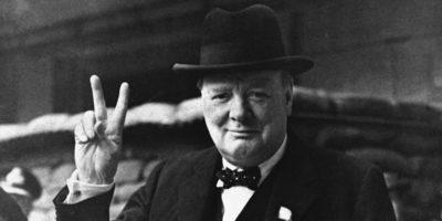 Уинстън Чърчил – Когато двама души винаги имат едно и също мнение, единият от тях е твърде повърхностен