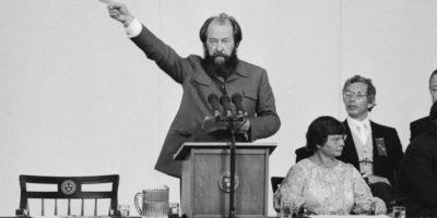 """Александър Солженицин – """"Разпаднатият свят"""". Реч пред випускниците на университета в Харвард"""