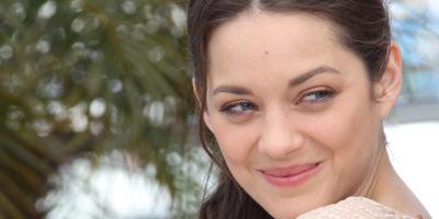Марион Котияр на 44 години, една актриса, която събира цялото великолепие на Франция в себе си
